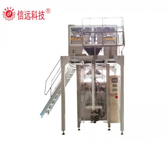 Vertical animal feed packing machine